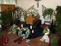 Aufbahrung, Nienhagen, Bestattung